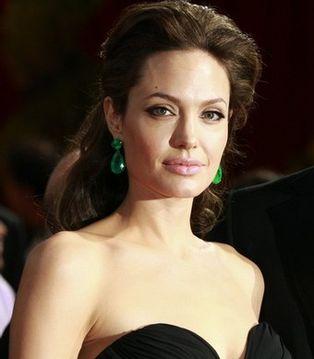 Прическа как у Анджелины Джоли, видео