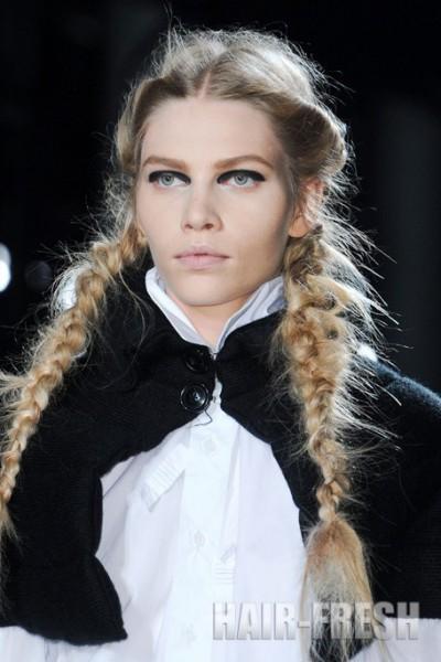волосами длинными косой коса
