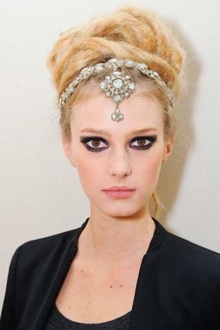 Модные прически Chanel 2012 (7)