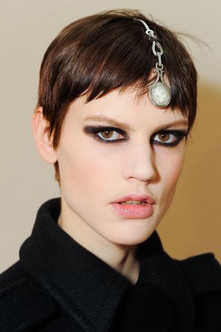Модные прически Chanel 2012 (2)