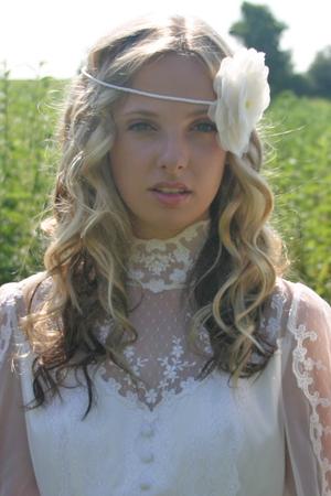 Свадебные прически 2012 (8)