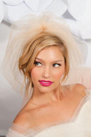 Свадебные прически 2012 (9)
