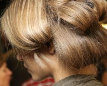 Как накрутить длинные волосы