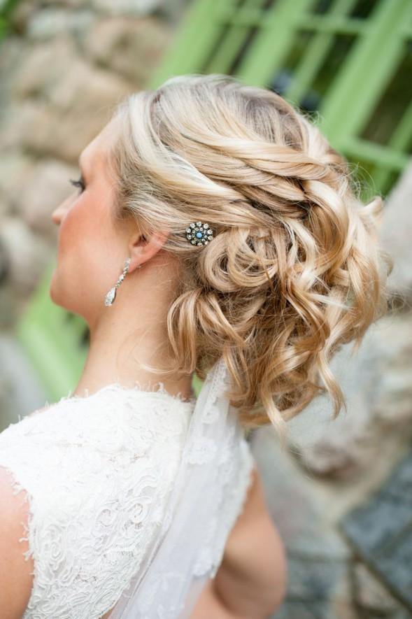 Праздничные прически на средние волосы (2)
