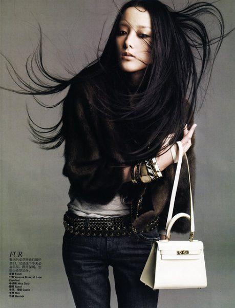 Красивые черные волосы