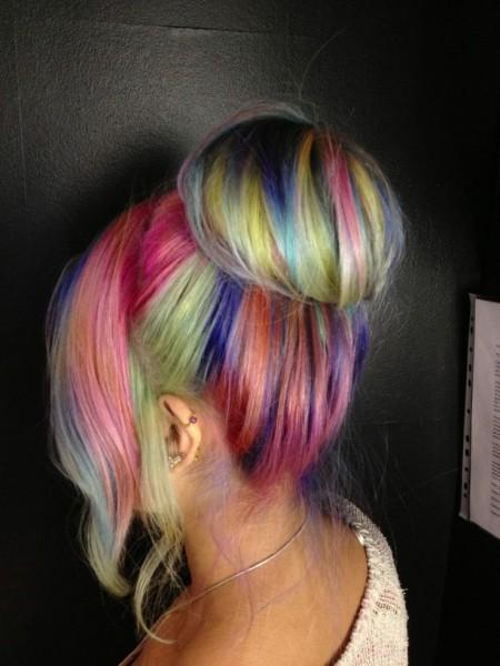 Яркие цвета волос