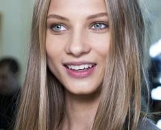 Серо-голубые глаза цвет волос