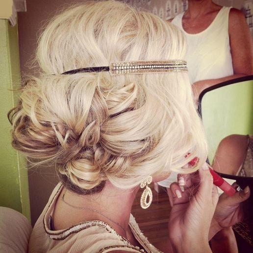 Cвадебные прически на средние волосы, фото (17)