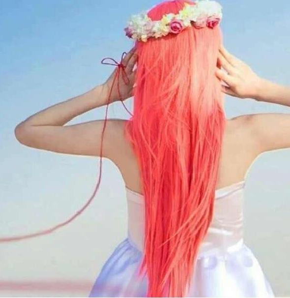 Алые волосы, фото
