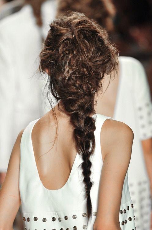 Прически с длинными косами (13)