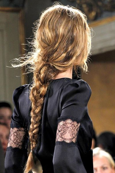 Прически с длинными косами