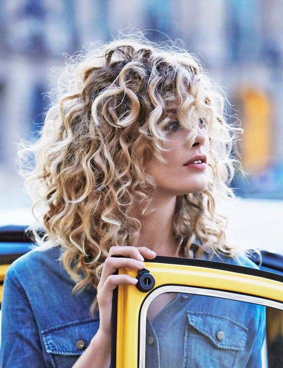 Стрижки для кудрявых волос 2017