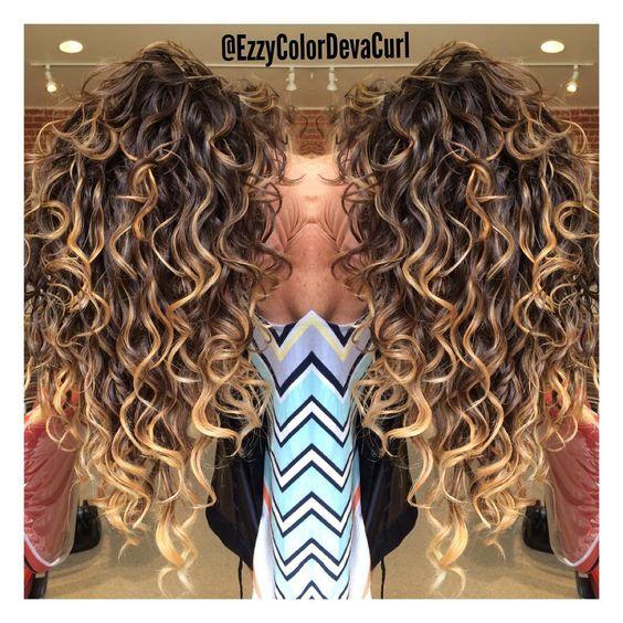 Стрижки на волнистые волосы 2018