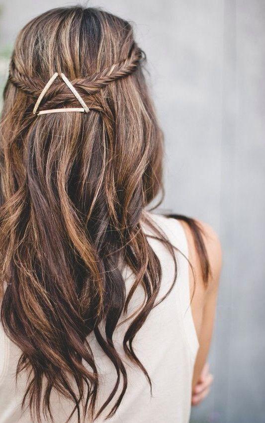 Новогодние прически на средние волосы 2018