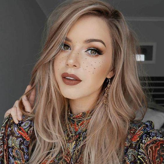 Натуральный светлый цвет волос (25)