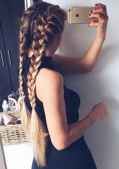 Причёски на выпускной 2019 для длинных волос (11)