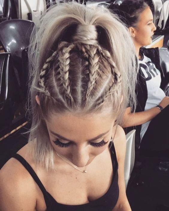 Причёски на новый 2019 год на средние волосы (31)