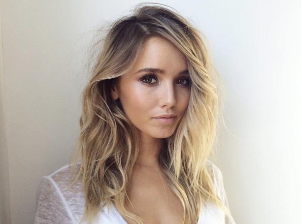 Причёски на новый 2019 год на средние волосы (23)