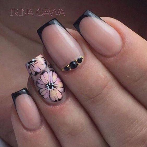 Красивый дизайн ногтей 2019 на короткие ногти (29)