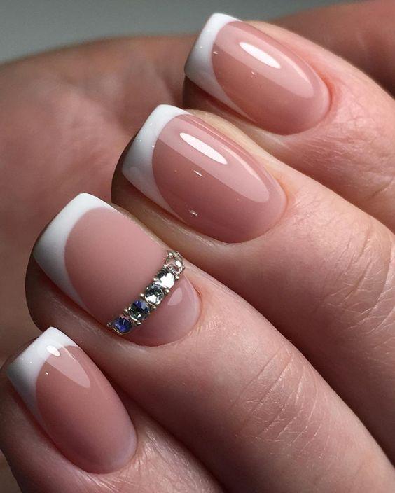Красивый дизайн ногтей 2019 на короткие ногти (48)