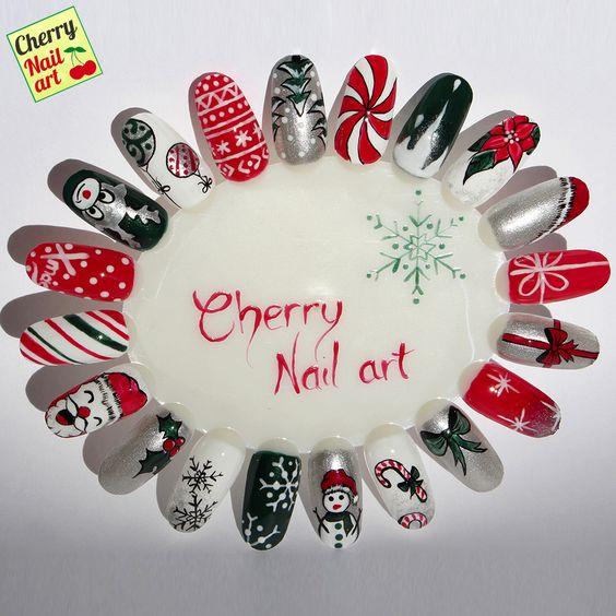 Дед Мороз на ногтях (29)
