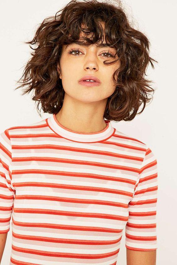 Стрижки на кудрявые волосы 2019 (28)