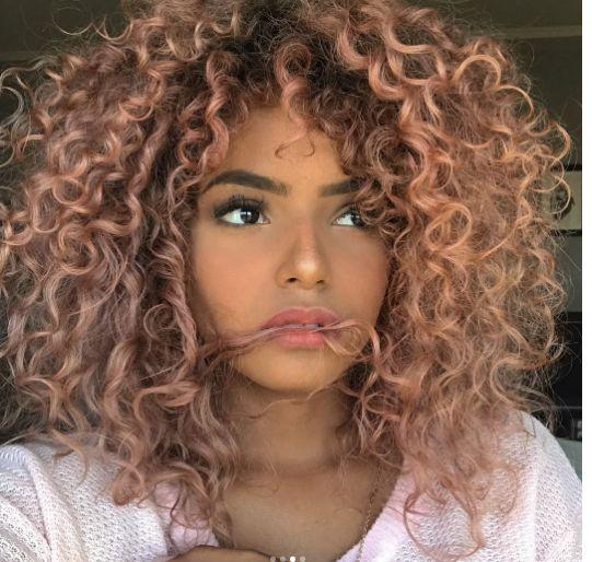 Стрижки на кудрявые волосы 2019 (33)
