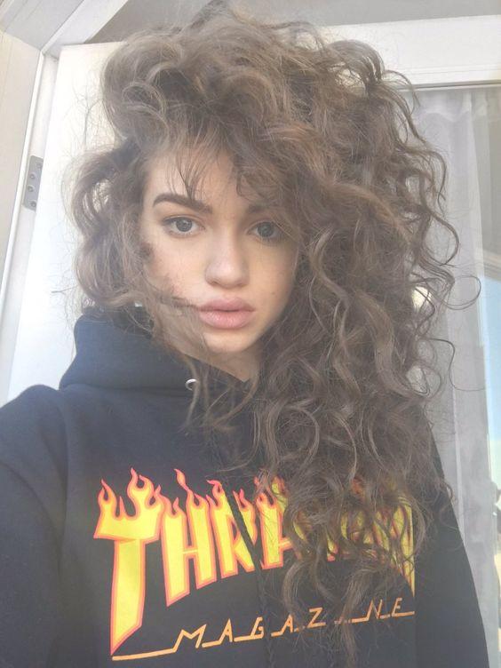 Стрижки на кудрявые волосы 2019 (5)