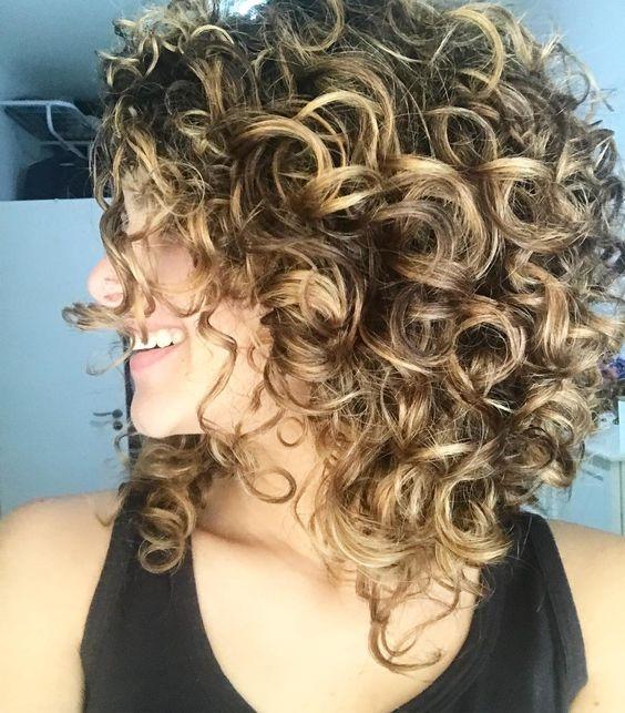 Стрижки на кудрявые волосы 2019 (2)