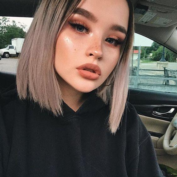 Причёски на выпускной 2019 для коротких волос (26)