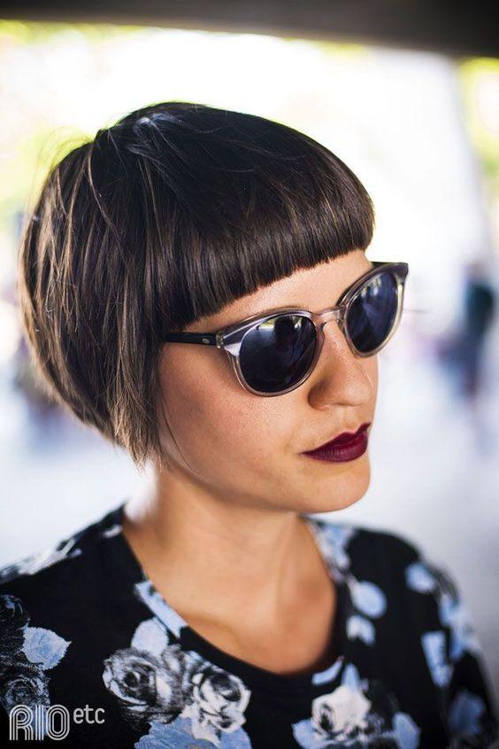 Причёски на выпускной 2019 для коротких волос (28)