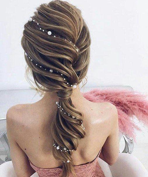 Причёски на выпускной 2021 для средних волос (5)
