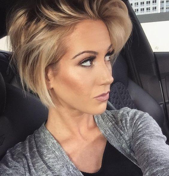 Причёски на выпускной 2019 для коротких волос (37)
