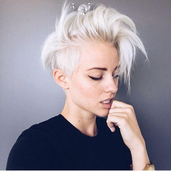 Короткие стрижки Блонд 2019 (16)