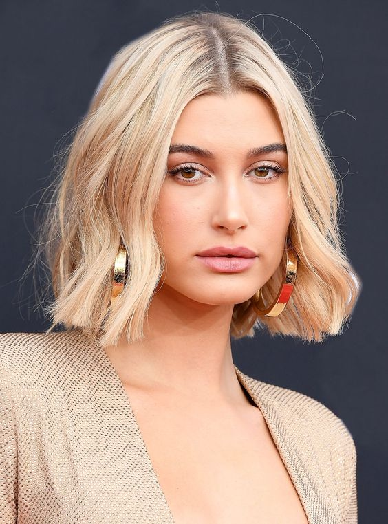 Короткие стрижки Блонд 2019 (36)