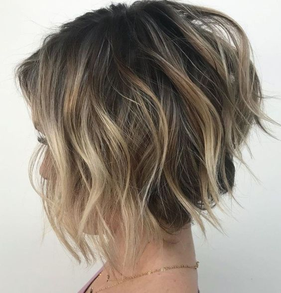 Стрижки на на средние волосы 2020 (38)
