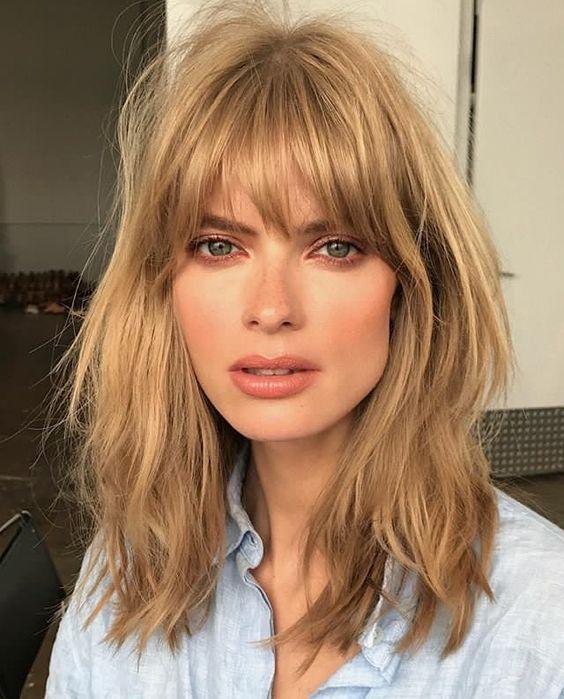 Стрижки на на средние волосы 2020 (85)